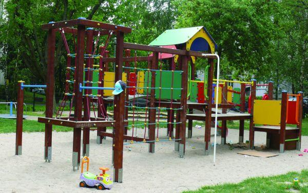 Place zabaw. Nowe przepisy budowlane dotyczące placów zabaw