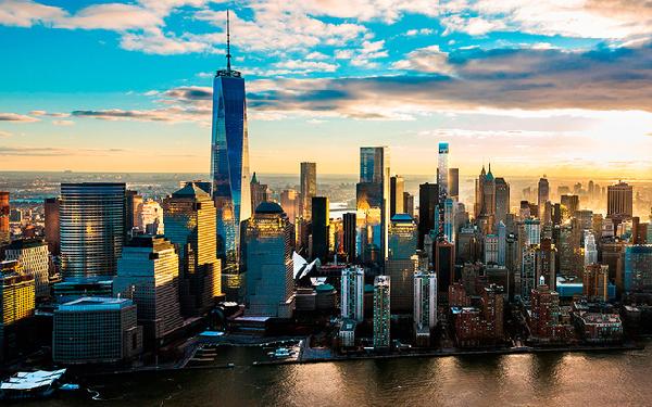 Nowy Jork z nowoczesnymi fasadami...z Polski
