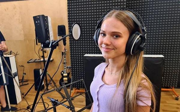 Oliwia Kopiec z przejęciem zaśpiewała hit Before You Go. Wzruszenie gwarantowane!